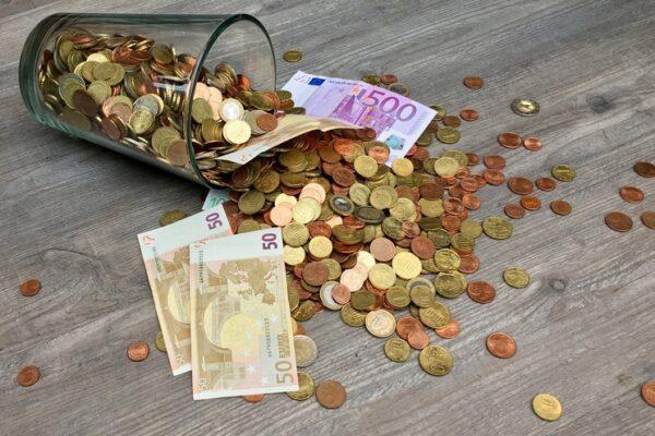 Schenken en teruglenen: de 'schenking op papier' | Trip Notarissen